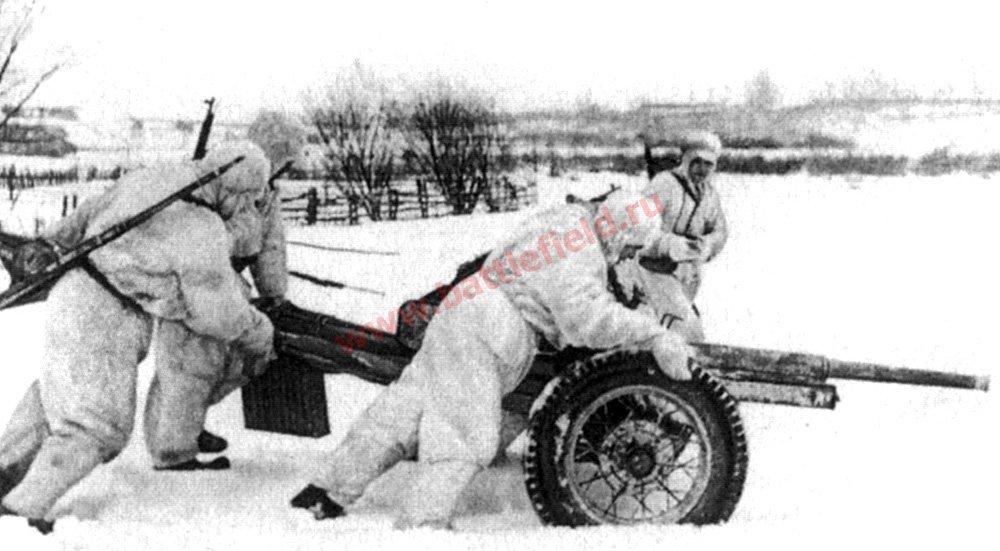 45-мм противотанковая пушка зимой