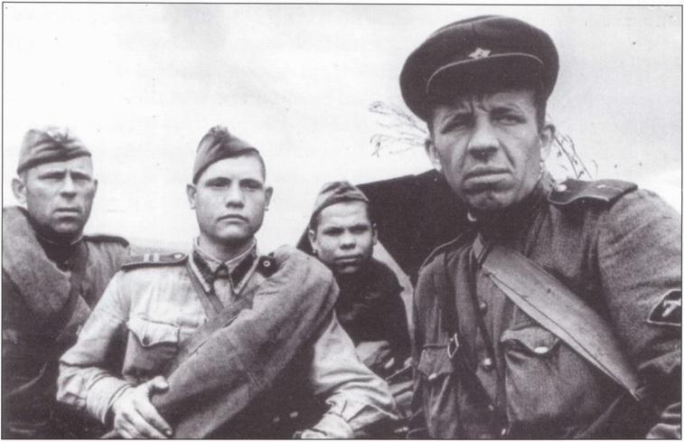 фотография нарукавный знак ПТА, 1943 год.