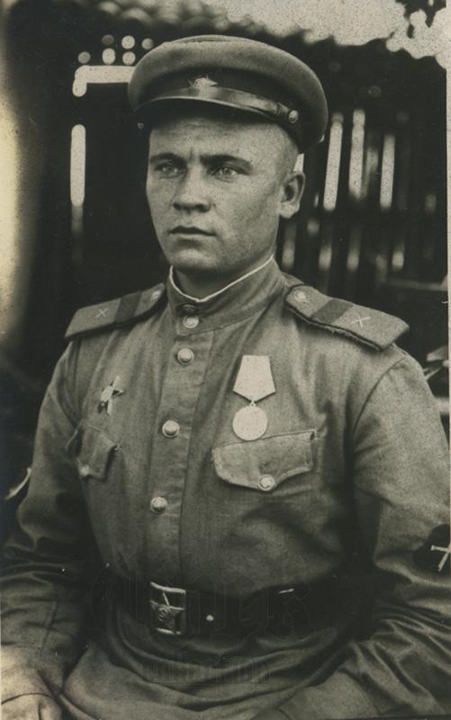 старший сержант артиллерист с нарукавным знаком ИПТА
