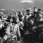 Советский солдат в немецких сапогах.
