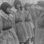 Советские танкисты в полушубках