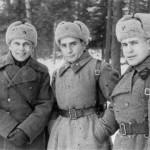 Советские офицеры в шинелях. РККА. 1942 г.