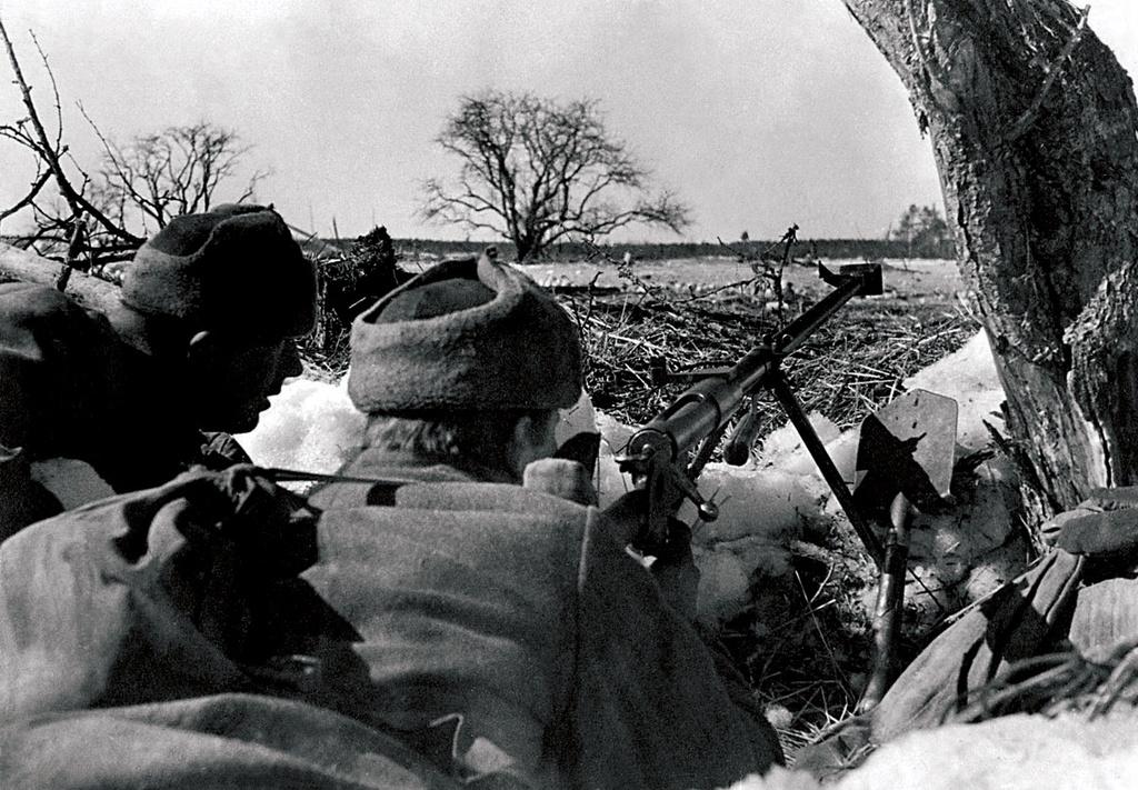расчет 14,5-мм ружья ПТРД