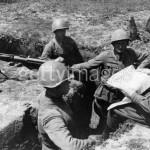 Политинформация бронебойщиков на огневой позиции
