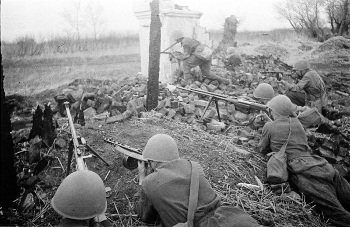 бронебойщики на южной окраине г. Воронеж 1942г.