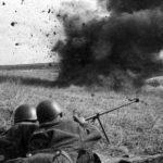 Бронебойщики РККА ведут огонь из ПТРД