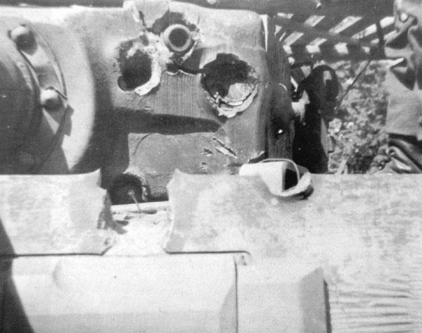 Вмятины в маске орудия танка тигр