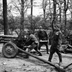 пушка ЗИС 3 в Берлине. 1945