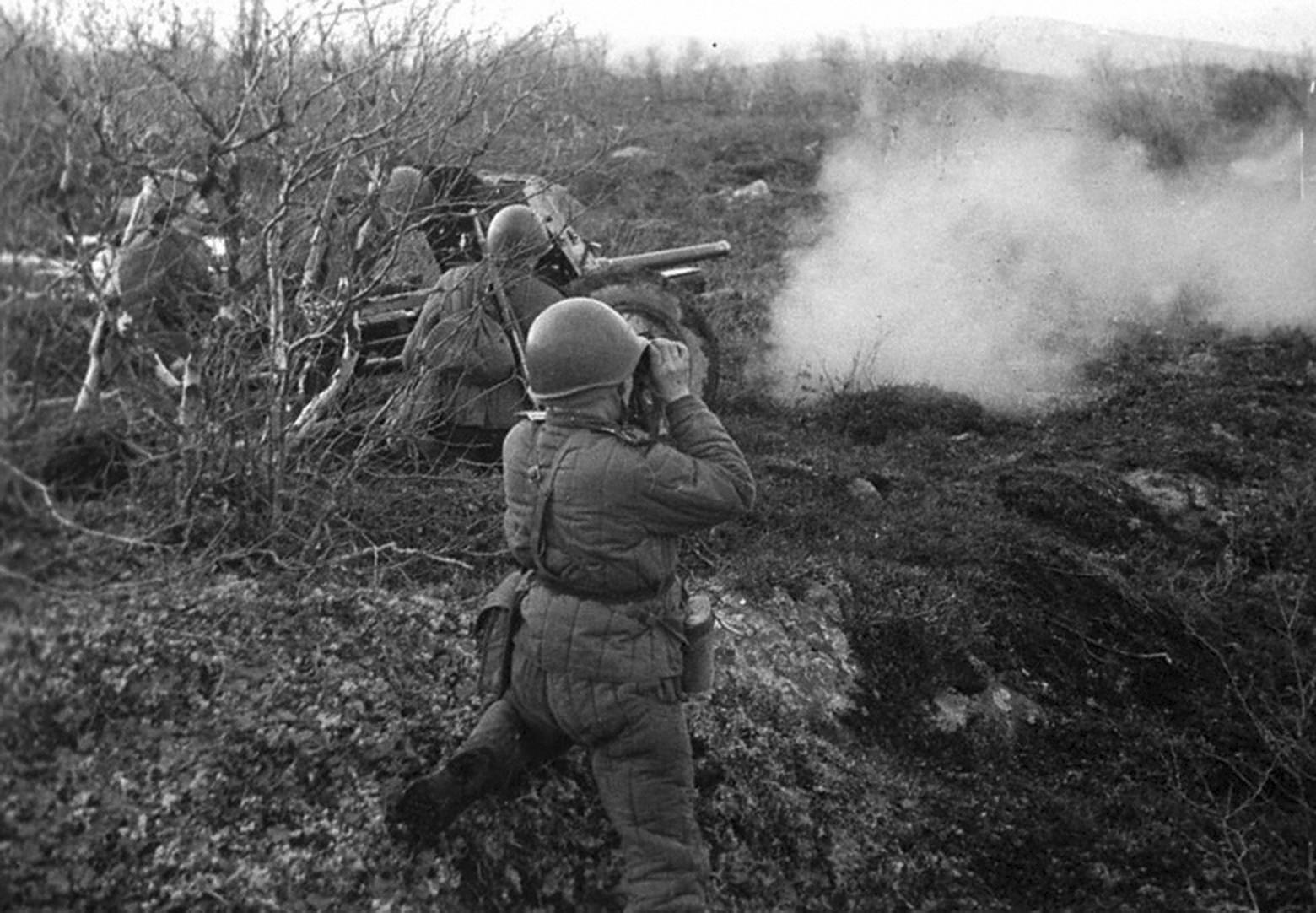 выстрел из 45-мм противотанкового орудия