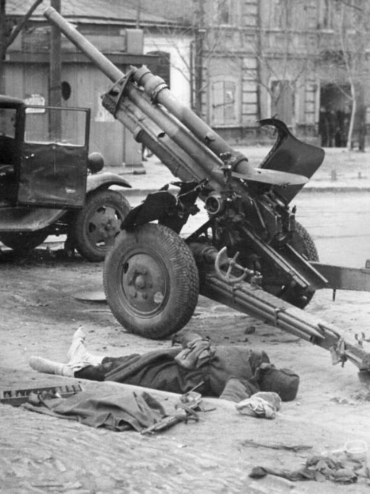 фотография уничтоженной пушки УСВ