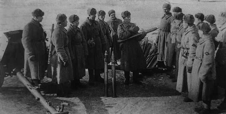 Фотография с нарукавным знаком противотанковой артиллерии