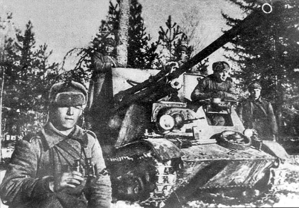 Фотография с нарукавным знаком ИПТА РККА