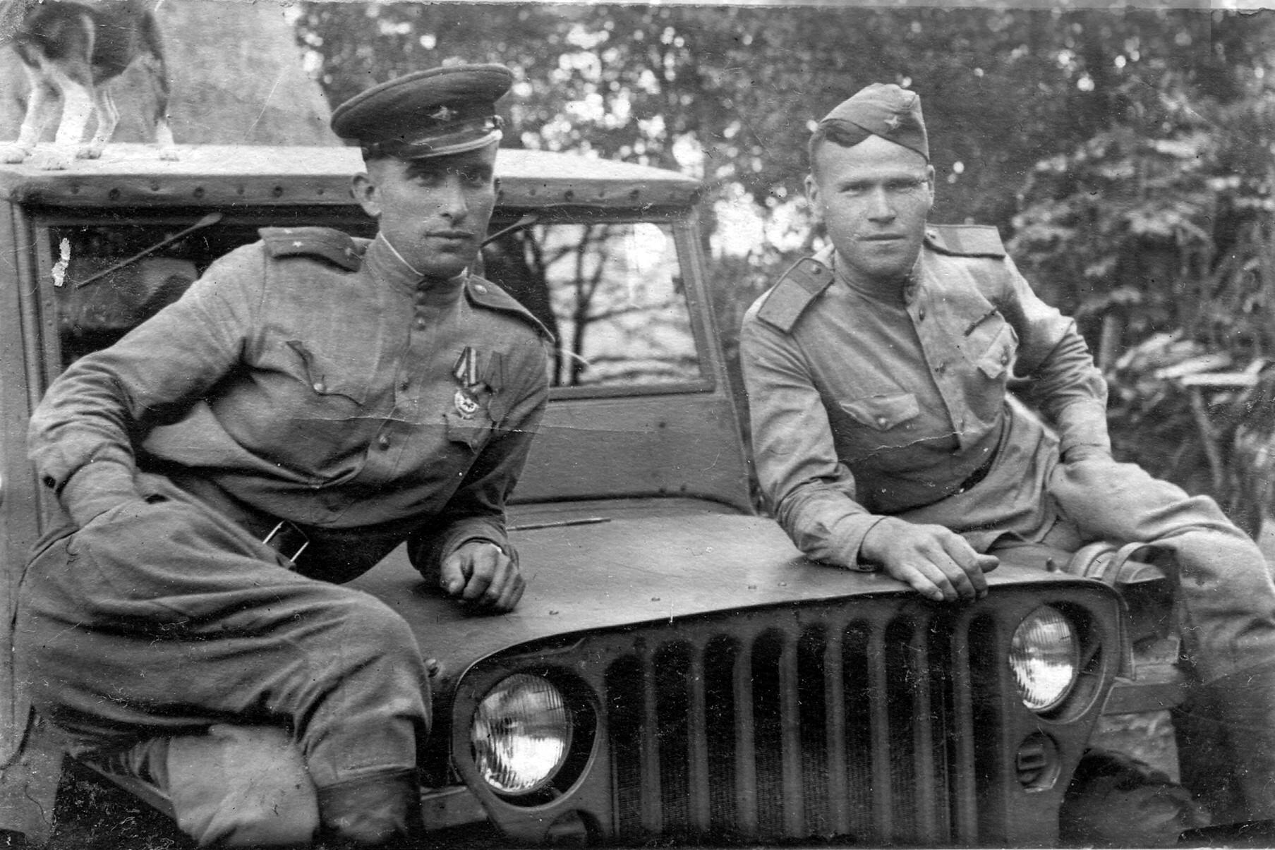 Ст.сержант РККА в офицерской гимнастёрке.