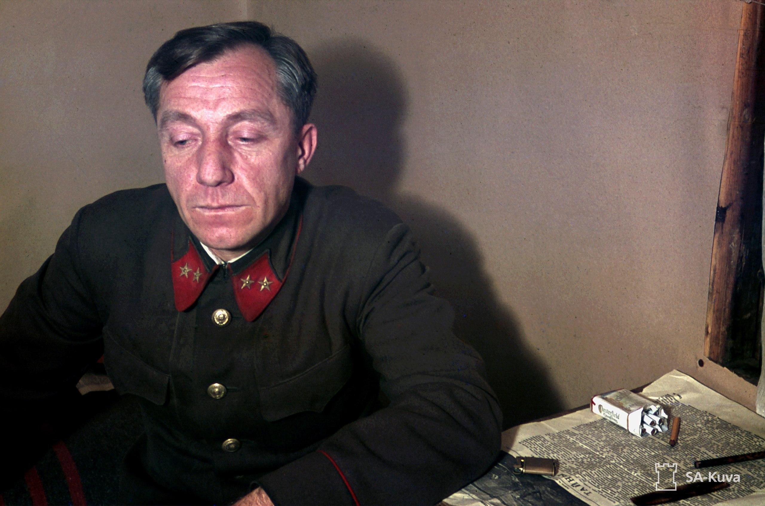 Петлицы генерал РККА. Цветное фото