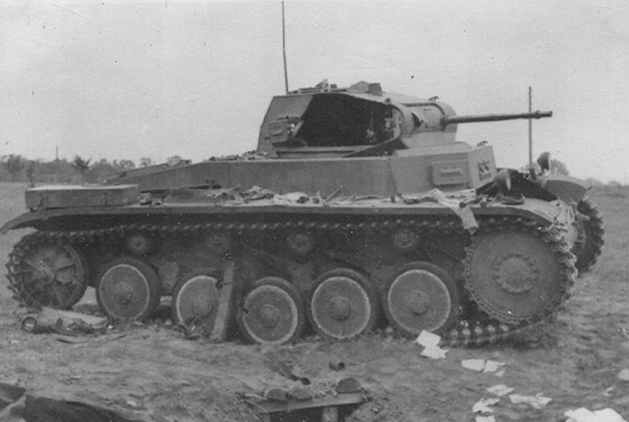 уничтоженный танк Pz 2